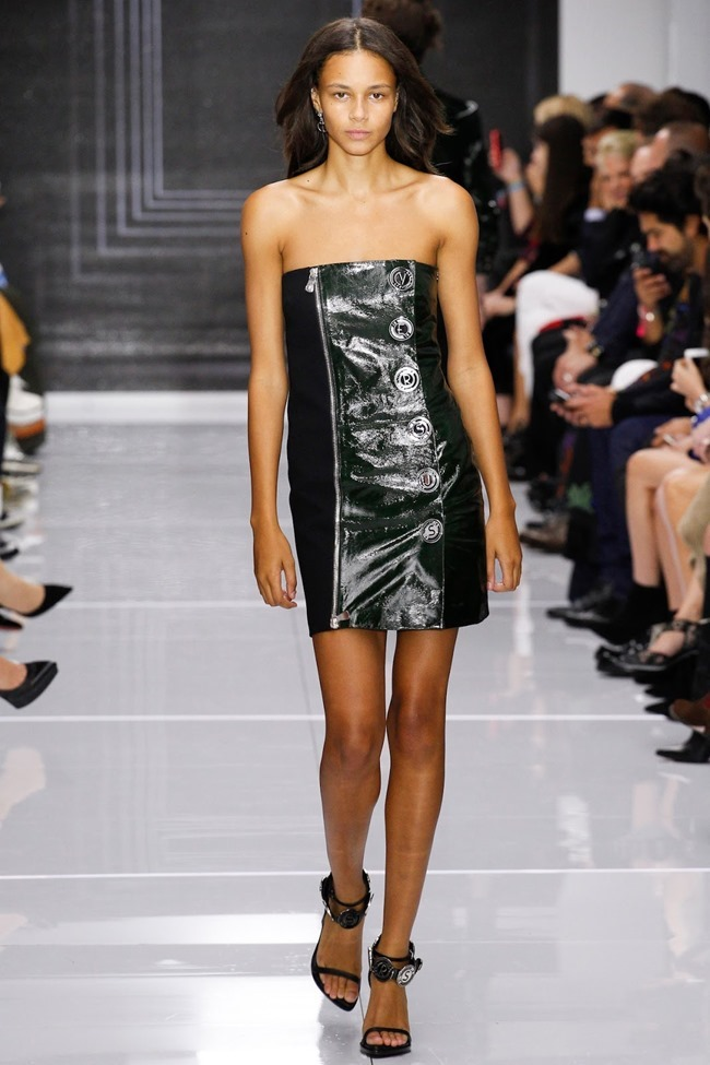 LONDON FASHION WEEK Versus Versace Spring 2016. www.imageamplified.com, Image Amplified (18)