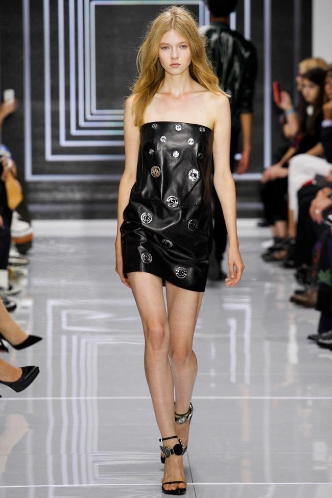 LONDON FASHION WEEK Versus Versace Spring 2016. www.imageamplified.com, Image Amplified (19)
