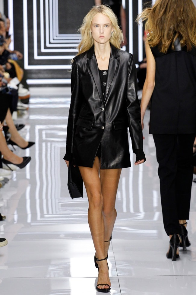 LONDON FASHION WEEK Versus Versace Spring 2016. www.imageamplified.com, Image Amplified (33)