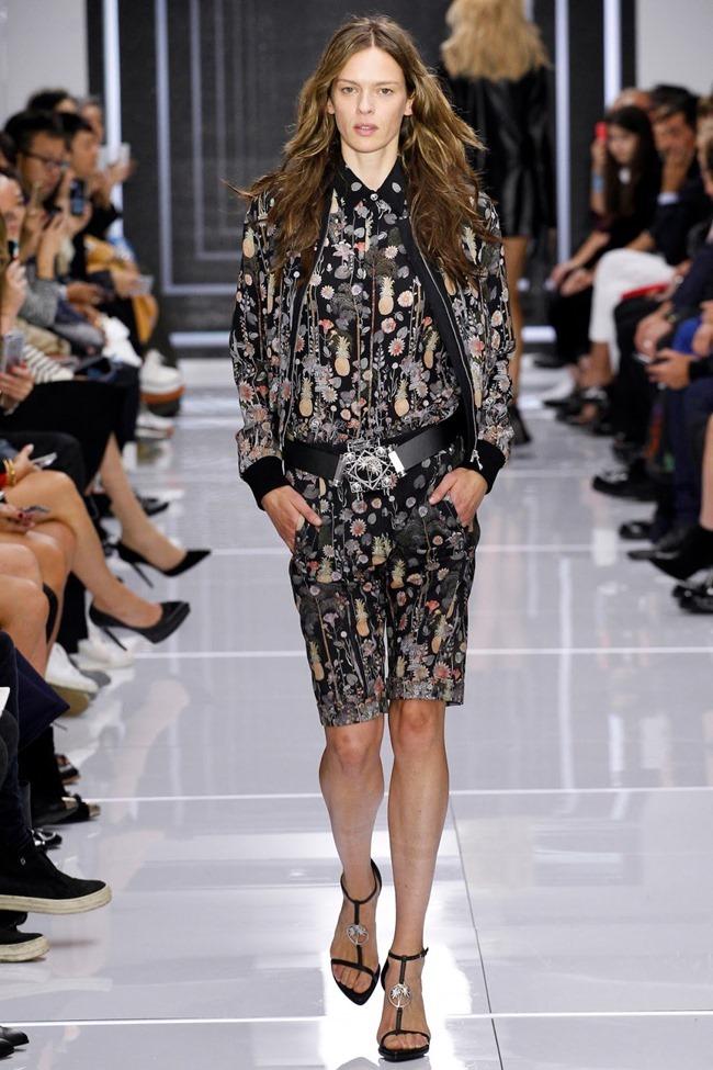 LONDON FASHION WEEK Versus Versace Spring 2016. www.imageamplified.com, Image Amplified (38)