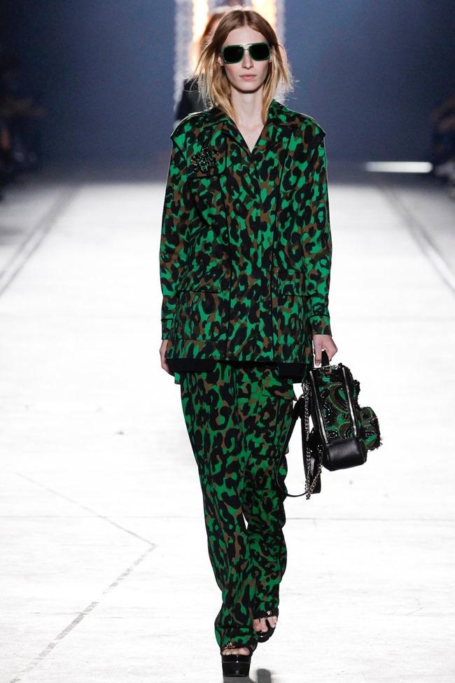 MILAN FASHION WEEK Versace Spring 2016. www.imageamplified.com, Image Amplified (9)