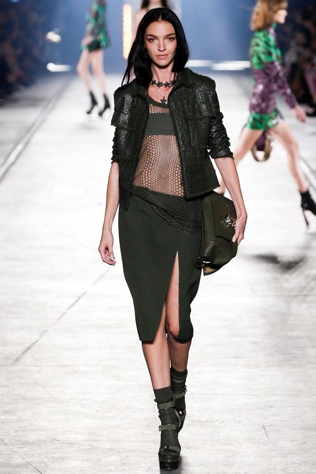 MILAN FASHION WEEK Versace Spring 2016. www.imageamplified.com, Image Amplified (20)