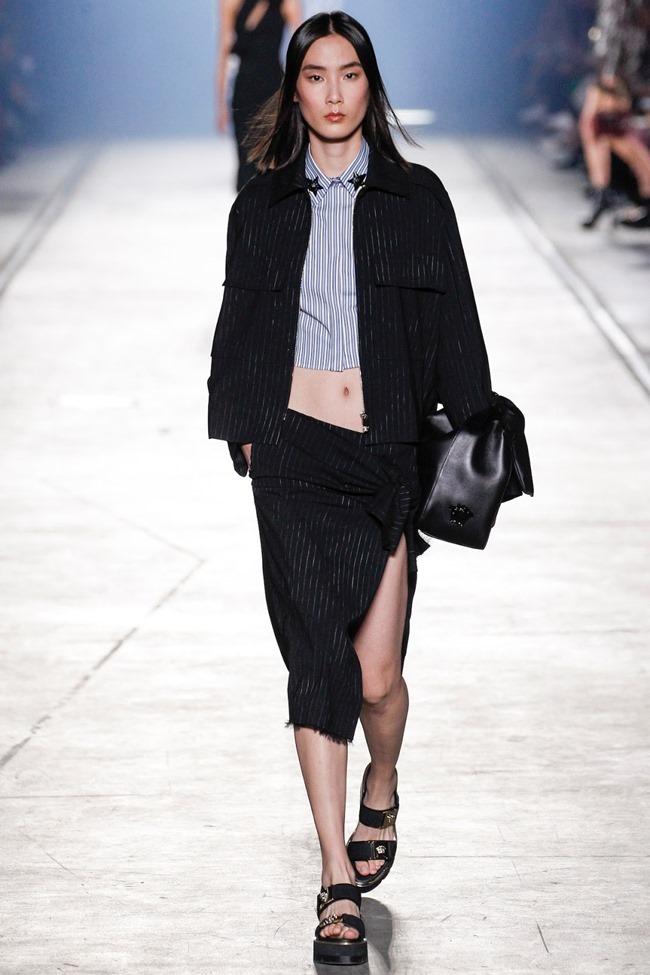 MILAN FASHION WEEK Versace Spring 2016. www.imageamplified.com, Image Amplified (25)