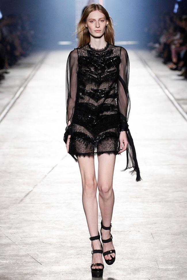 MILAN FASHION WEEK Versace Spring 2016. www.imageamplified.com, Image Amplified (49)