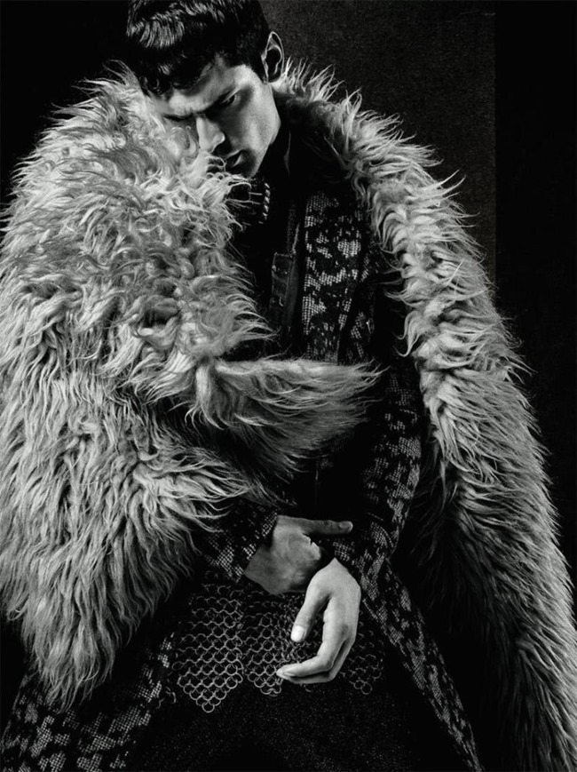 L'OFFICIEL HOMMES Sean O'Pry by Jack Waterlot. Amy Mach, Fall 2015, www.imageamplified.com, Image Amplified (6)