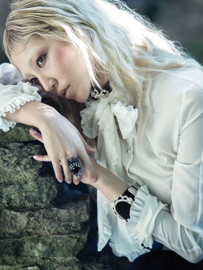 VOGUE KOREA Soo Joo Park by Hyea Won Kang. Eunyoung Sohn, November 2015, www.imageamplified.com, Image Amplified (6)