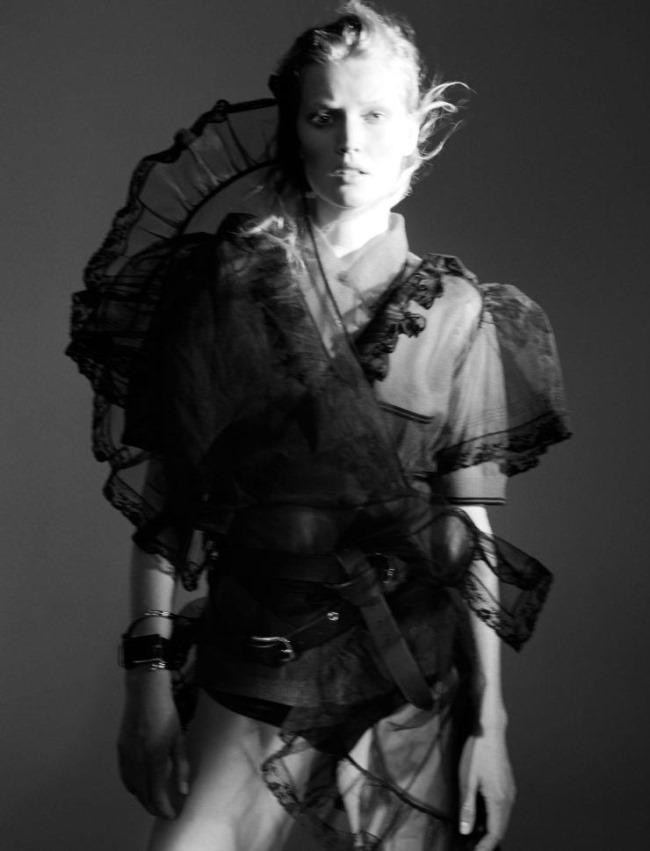 L'EXPRESS STYLE Toni Garrn by Benjamin Lennox. Mika MIzutani, February 2016, www.imageamplified.com, image Amplified (2)