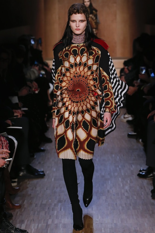 PARIS FASHION WEEK Givenchy Fall 2016. www.imageamplified.com, Image Amplified (5)