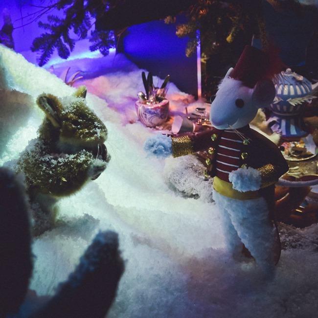 CHRISTMAS IN LONDON Harrods Windows by Troy Wise. Winter 2014, www.imageamplified.com, Image Amplified (34)