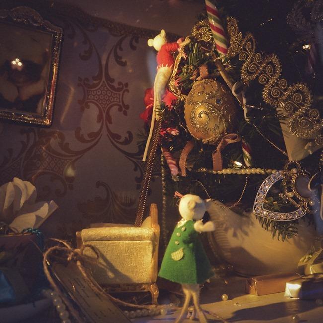 CHRISTMAS IN LONDON Harrods Windows by Troy Wise. Winter 2014, www.imageamplified.com, Image Amplified (39)