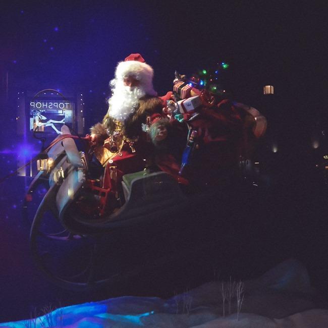 CHRISTMAS IN LONDON Harrods Windows by Troy Wise. Winter 2014, www.imageamplified.com, Image Amplified (2)
