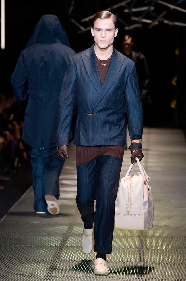 MILAN FASHION WEEK Versace Fall 2015. www.imageamplified.com, Image Amplified (31)