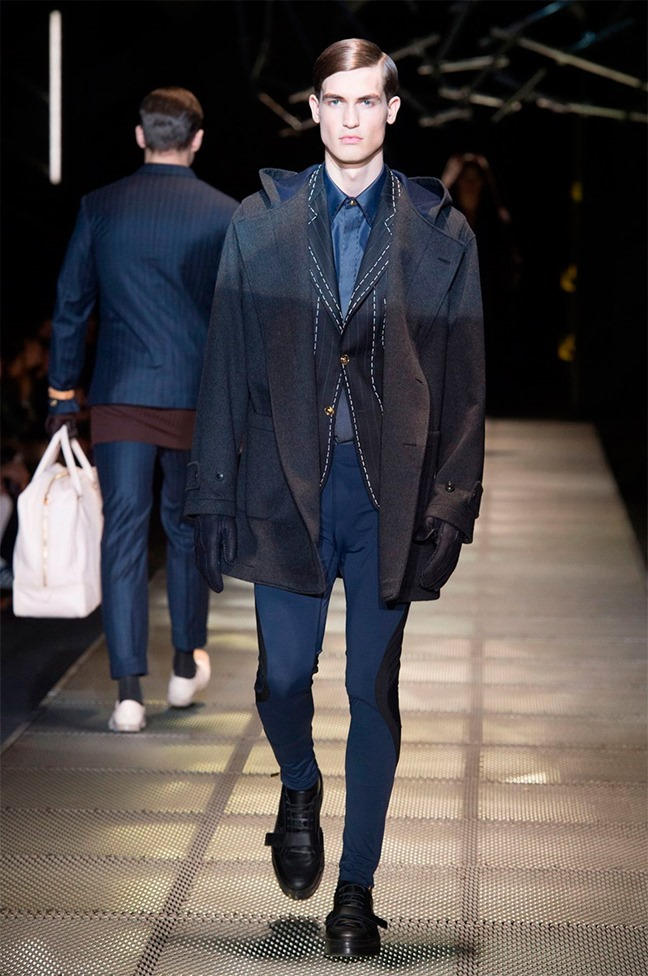 MILAN FASHION WEEK Versace Fall 2015. www.imageamplified.com, Image Amplified (32)