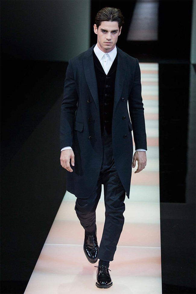 MILAN FASHION WEEK Giorgio Armani Fall 2015. www.imageamplified.com, Image Amplified (48)