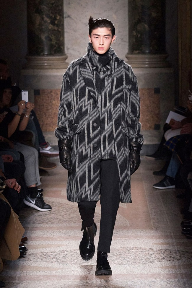 MILAN FASHION WEEK Les Hommes Fall 2015. www.imageamplified.com, Image Amplified (5)