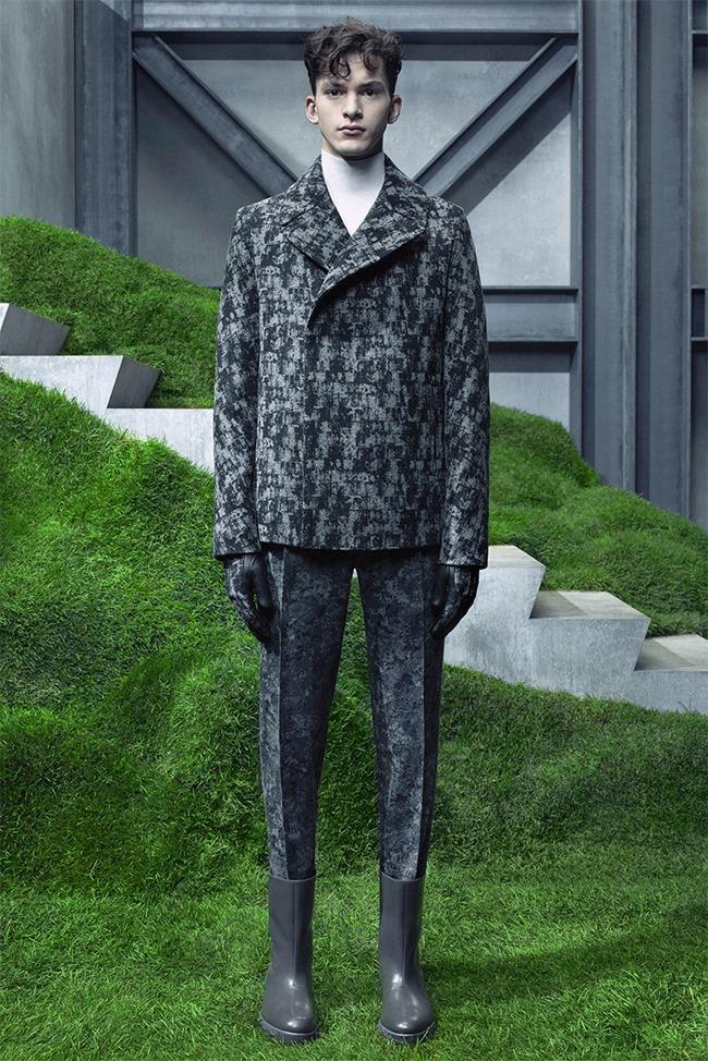 PARIS FASHION WEEK Balenciaga Fall 2015. www.imageamplified.com, Image Amplified (11)