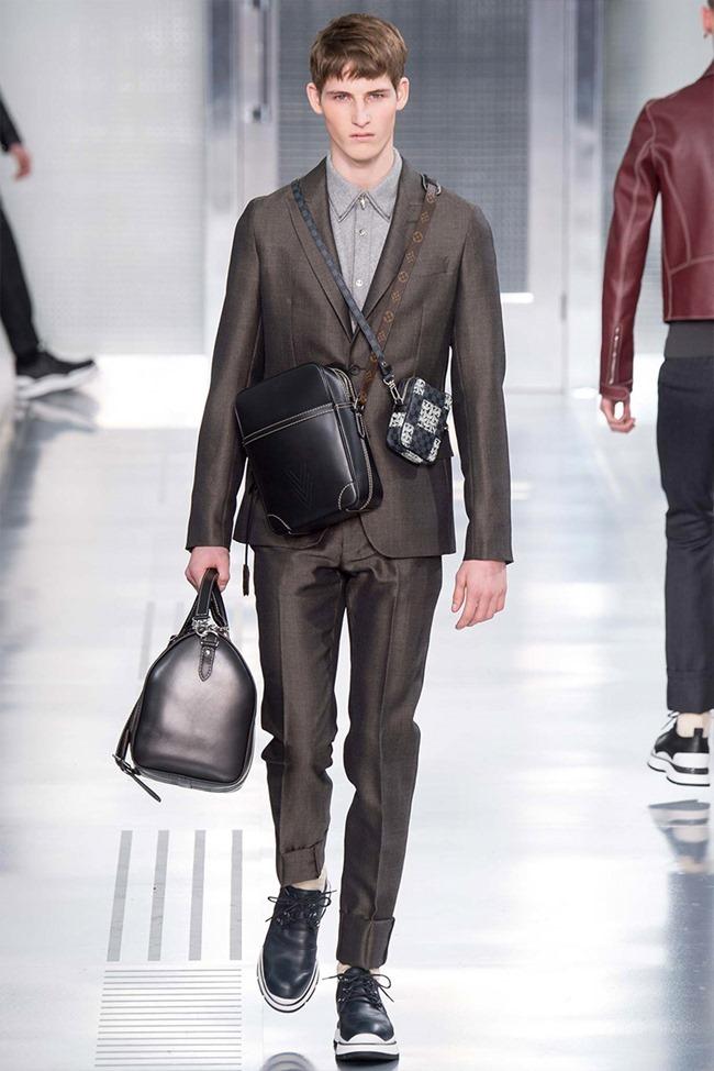 PARIS FASHION WEEK Louis Vuitton Fall 2015. www.imageamplified.com, Image Amplified (28)