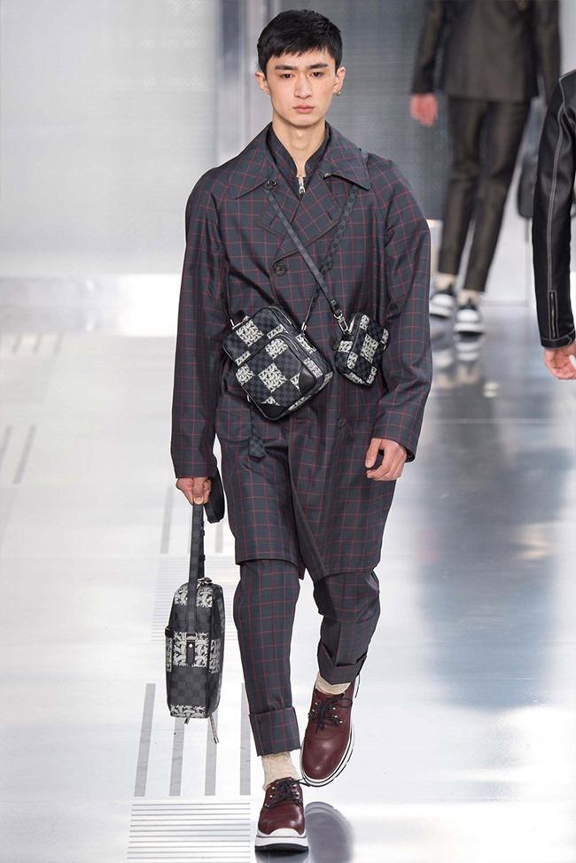 PARIS FASHION WEEK Louis Vuitton Fall 2015. www.imageamplified.com, Image Amplified (30)