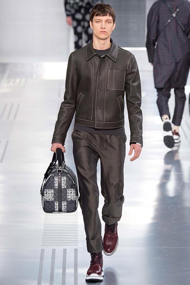PARIS FASHION WEEK Louis Vuitton Fall 2015. www.imageamplified.com, Image Amplified (31)