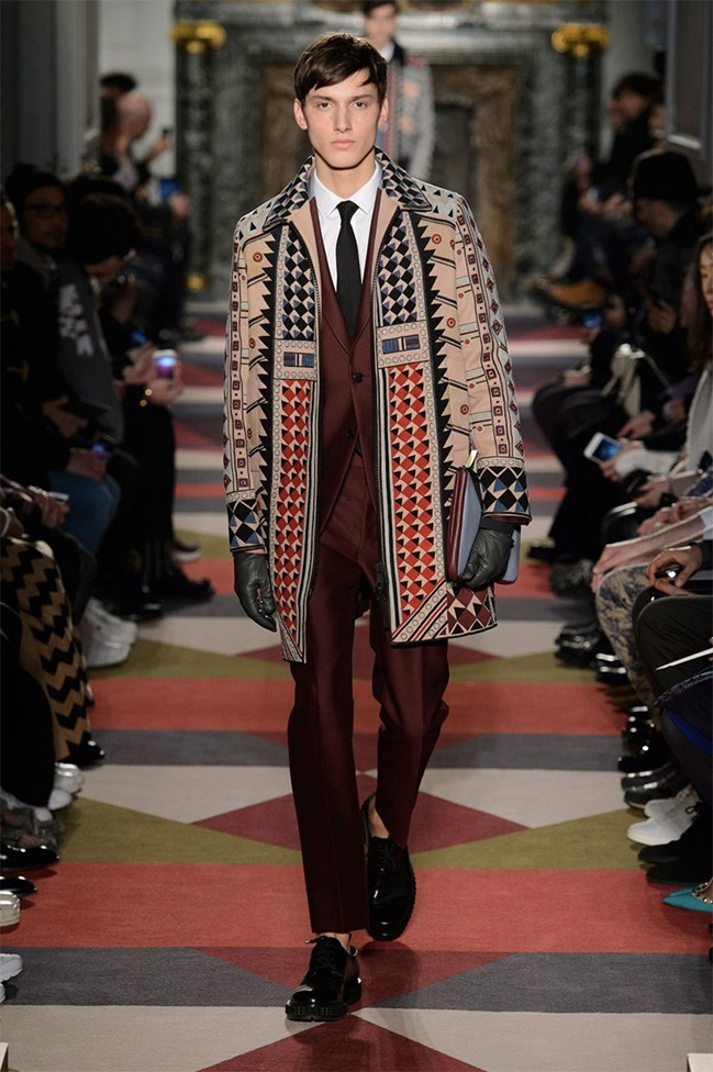 PARIS FASHION WEEK Valentino Fall 2015. www.imageamplified.com, Image Amplified (45)