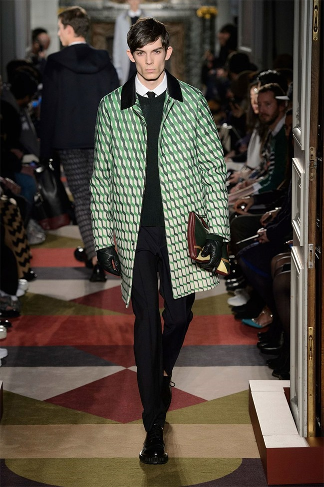 PARIS FASHION WEEK Valentino Fall 2015. www.imageamplified.com, Image Amplified (49)