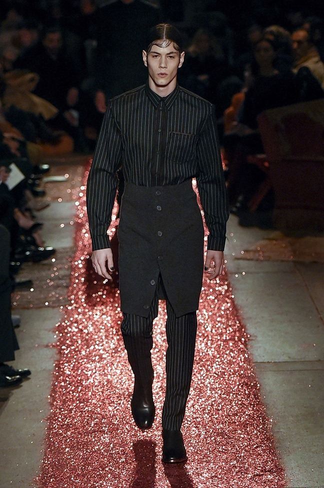 PARIS FASHION WEEK Givenchy Fall 2015. www.imageamplified.com, Image amplified (2)