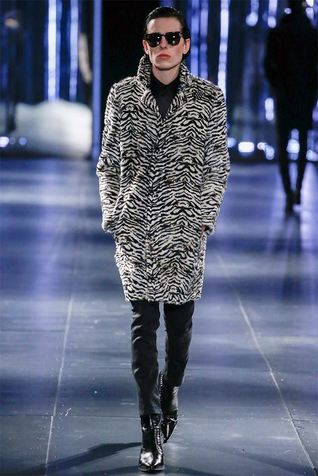 PARIS FASHION WEEK Saint Laurent Fall 2015. www.imageamplified.com, Image Amplified (16)