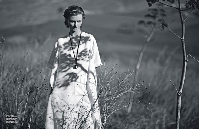 D LA REPUBBLICA Kamila Filipcikova by Julian Broad. Milva Gigli, February 2015, www.imageamplified.com, Image Amplified (8)
