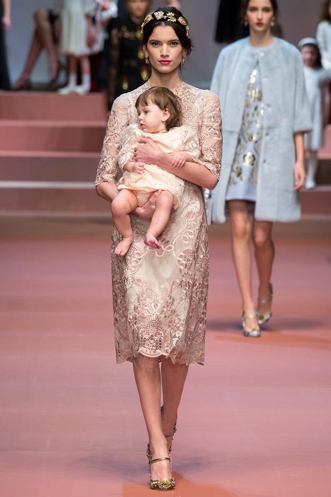 MILAN FASHION WEEK Dolce & Gabbana Fall 2015. www.imageamplified.com, Image Amplified (8)