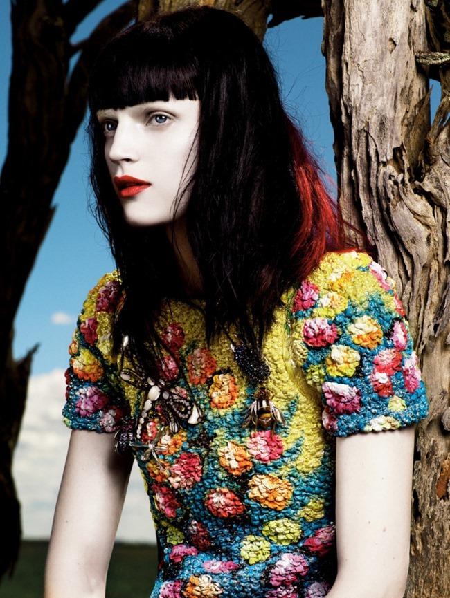 STYLE REWIND Guinevere van Seenus for Vogue Paris, April 2008 by Mikael Jansson. Marie Amelie Sauve, www.imageamplified.com, Image Amplified (1)