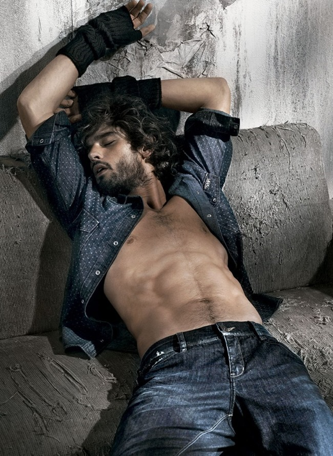 CAMPAIGN Marlon Teixeira for Osmoze Fall 2015 by FAbio Bartelt. Pedro Sales, www.imageamplified.com, Image amplified (10)
