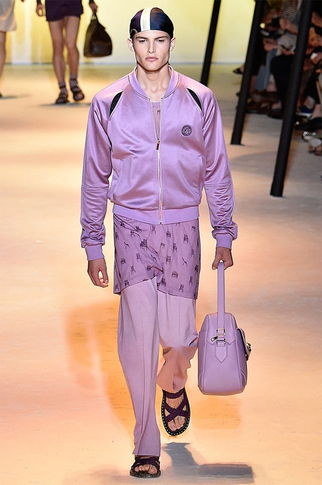 MILAN FASHION WEEK Versace Spring 2016. www.imageamplified.com, Image Amplified (19)