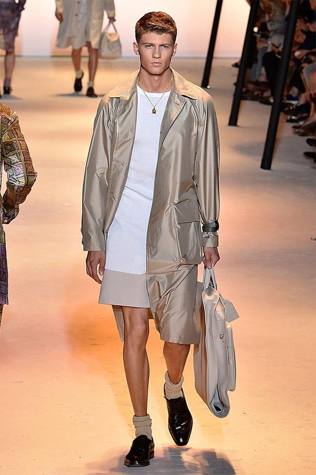 MILAN FASHION WEEK Versace Spring 2016. www.imageamplified.com, Image Amplified (15)
