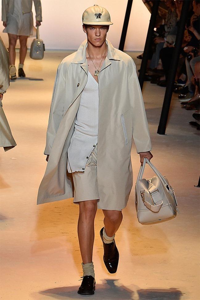 MILAN FASHION WEEK Versace Spring 2016. www.imageamplified.com, Image Amplified (16)