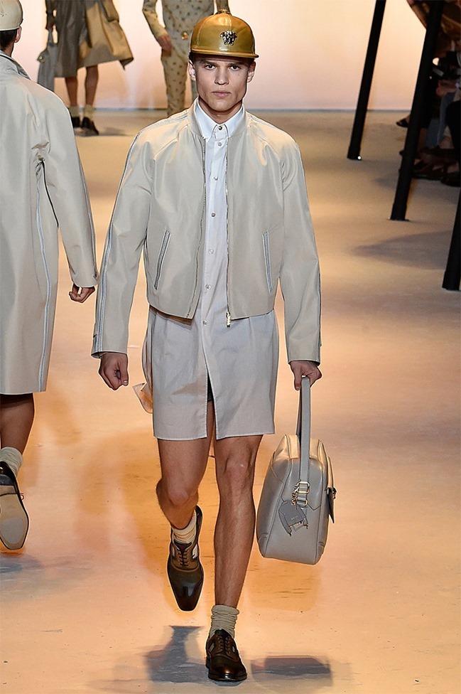 MILAN FASHION WEEK Versace Spring 2016. www.imageamplified.com, Image Amplified (17)