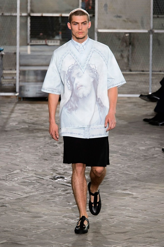 PARIS FASHION WEEK Givenchy Spring 2016. www.imageamplified.com, Image Amplified (38)