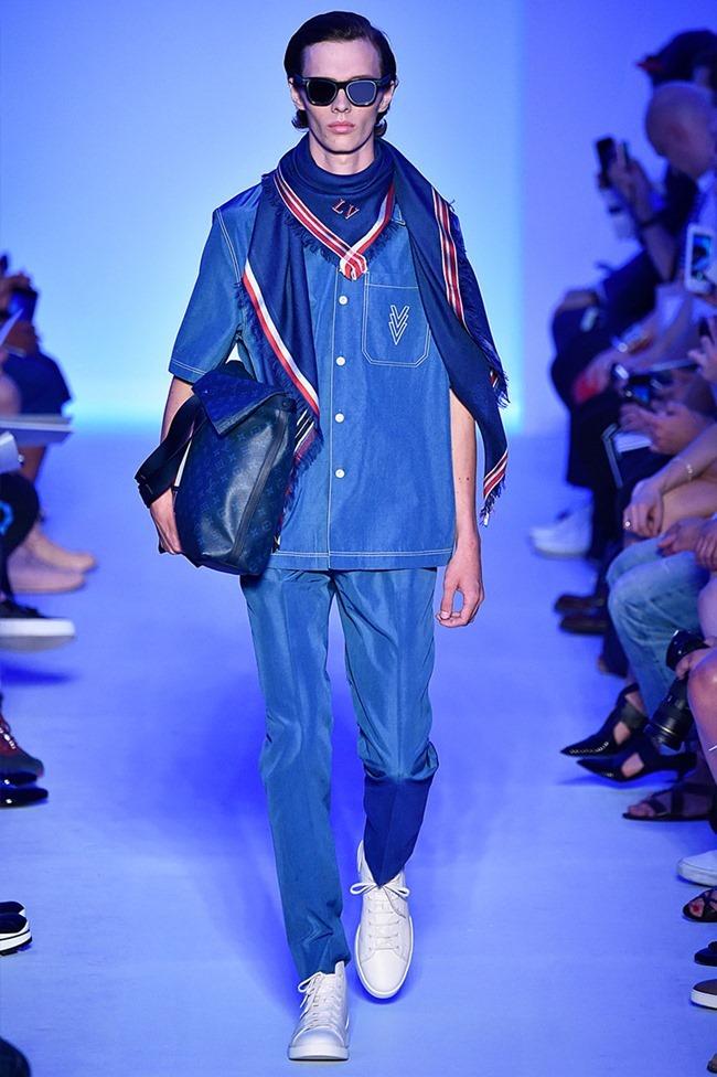 PARIS FASHION WEEK Louis Vuitton Spring 2016. www.imageamplified.com, Image Amplified (18)