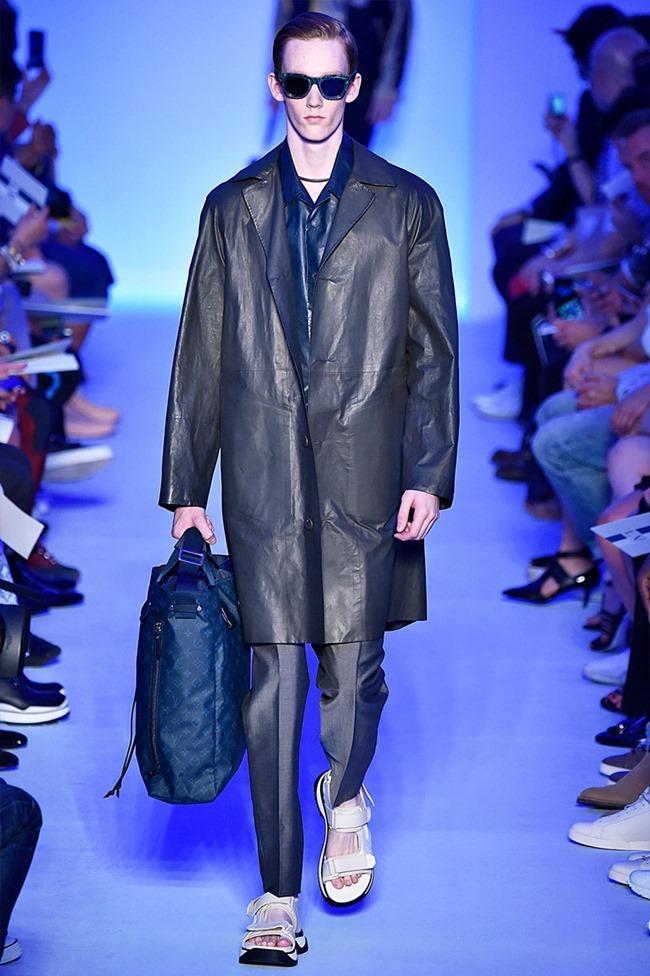 PARIS FASHION WEEK Louis Vuitton Spring 2016. www.imageamplified.com, Image Amplified (30)