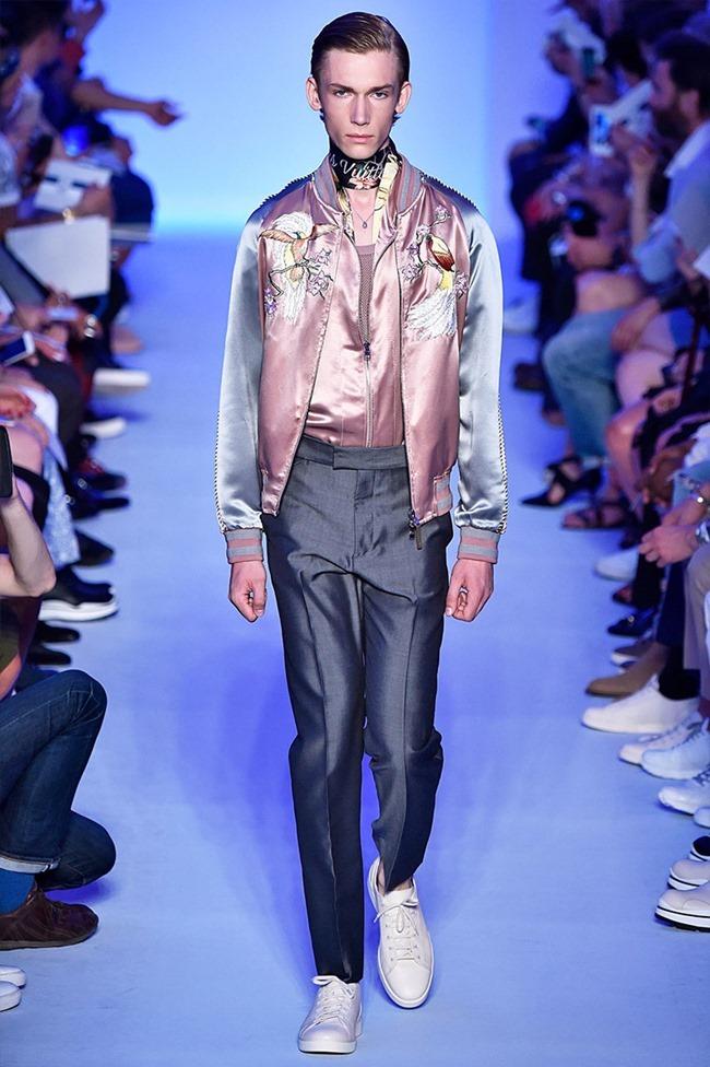 PARIS FASHION WEEK Louis Vuitton Spring 2016. www.imageamplified.com, Image Amplified (34)