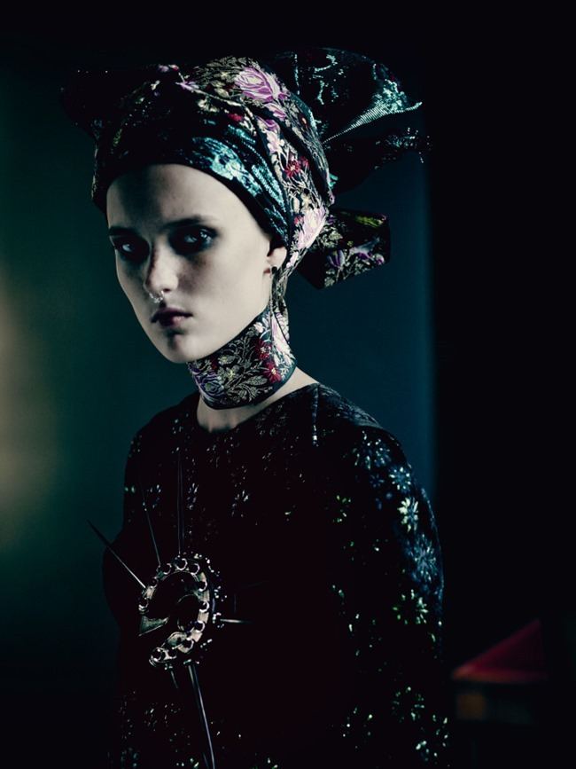 VOGUE UK The Shining by Paolo Roversi. Lucinda Chambers, September 2015, www.imageamplified.com, Image Amplified (8)