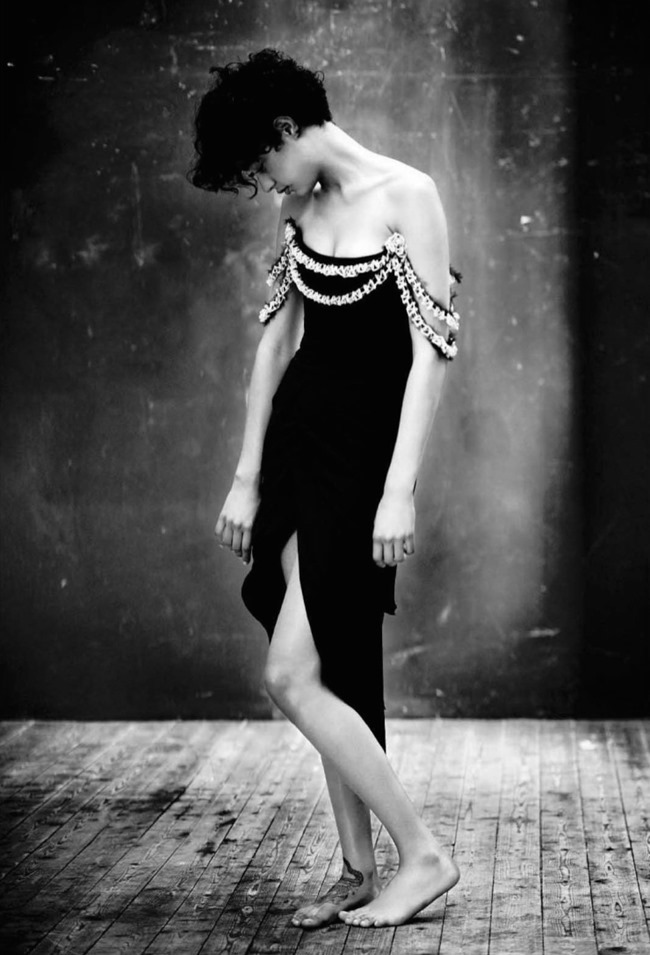 VOGUE ITALIA Damaris Goddrie & Luz Sanchez by Paolo Roversi. Francesca Burns, September 2015, www.imageamplified.com, Image amplified (1)