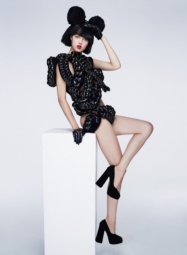 V MAGAZINE Lindsey Wixson by Anthony Maule. Brandon Maxwell, Fall 2015, www.imageamplified.com, Image Amplified (4)