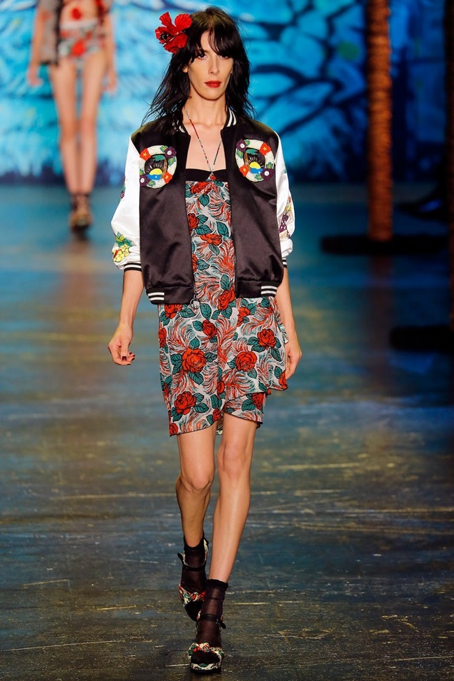 NEW YORK FASHION WEEK Anna Sui Spring 2016. www.imageamplified.com, Image Amplified (2)