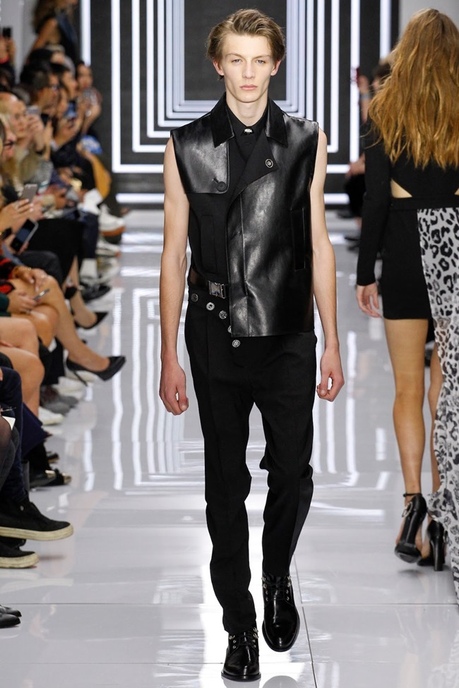 LONDON FASHION WEEK Versus Versace Spring 2016. www.imageamplified.com, Image Amplified (29)
