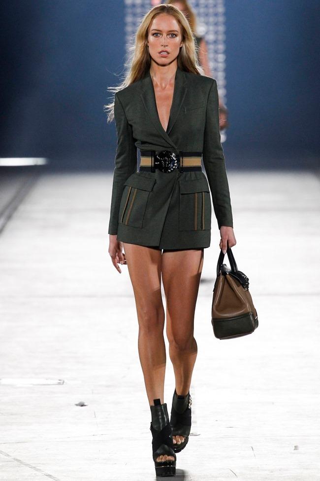 MILAN FASHION WEEK Versace Spring 2016. www.imageamplified.com, Image Amplified (1)