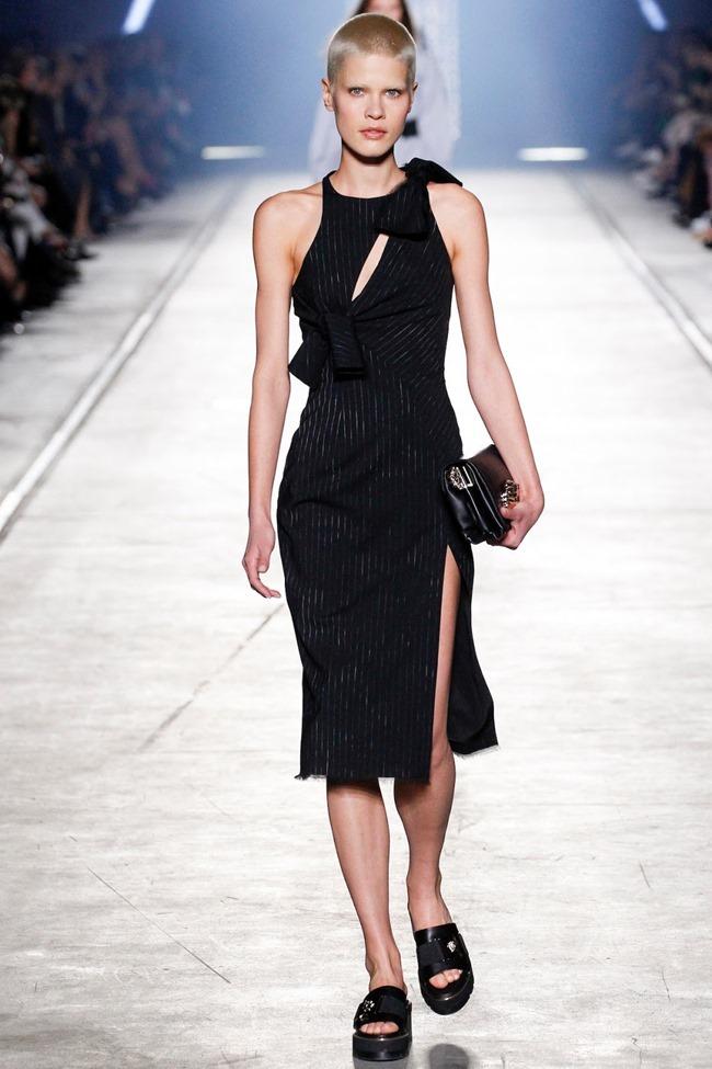 MILAN FASHION WEEK Versace Spring 2016. www.imageamplified.com, Image Amplified (26)