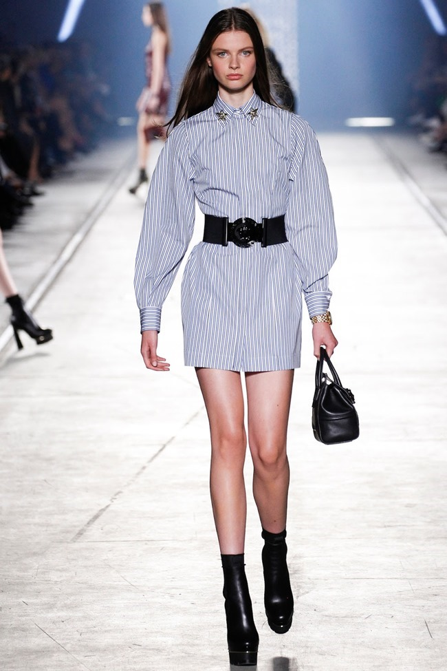 MILAN FASHION WEEK Versace Spring 2016. www.imageamplified.com, Image Amplified (27)