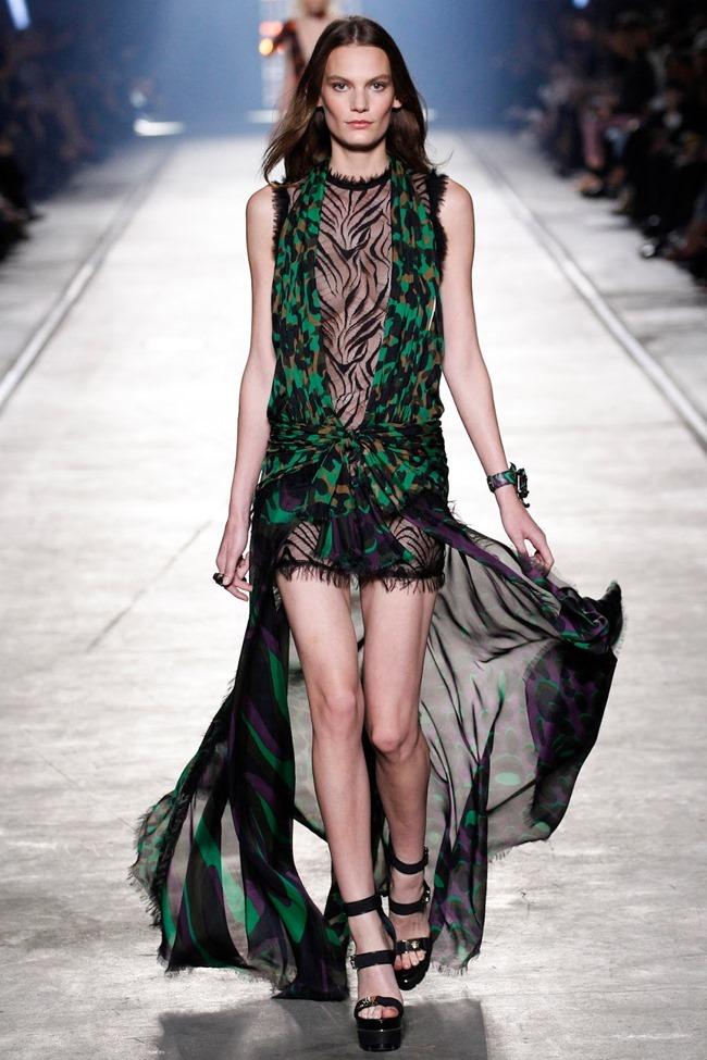 MILAN FASHION WEEK Versace Spring 2016. www.imageamplified.com, Image Amplified (44)