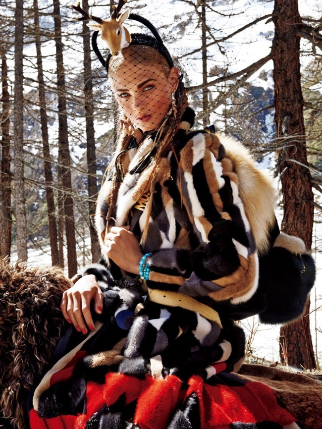 VOGUE JAPAN Sacred Tribes of Mont Cervin by Giampaolo Sgura. Anna Dello Russo, Miguel Arnau, November 2015, www.imageamplified.com, Image Amplified (13)