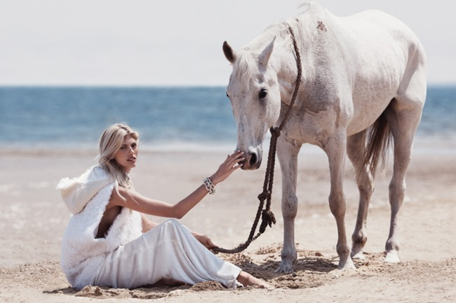 VOGUE MEXICO Devon Windsor by Dean Isidro. Sarah Gore-Reeves, November 2015, www.imageamplified.com, Image Amplified (1)